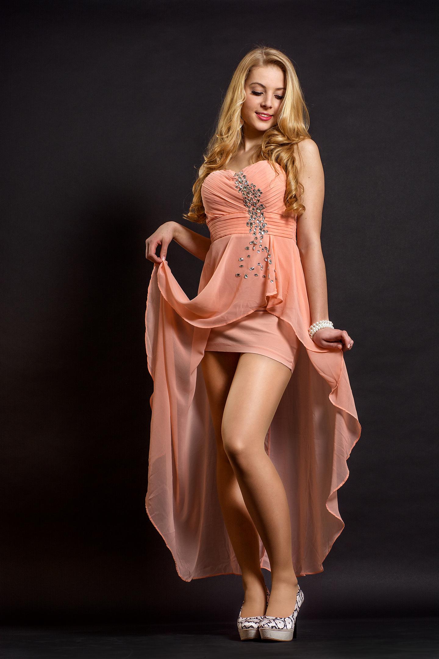sexy Pose blonde Frau