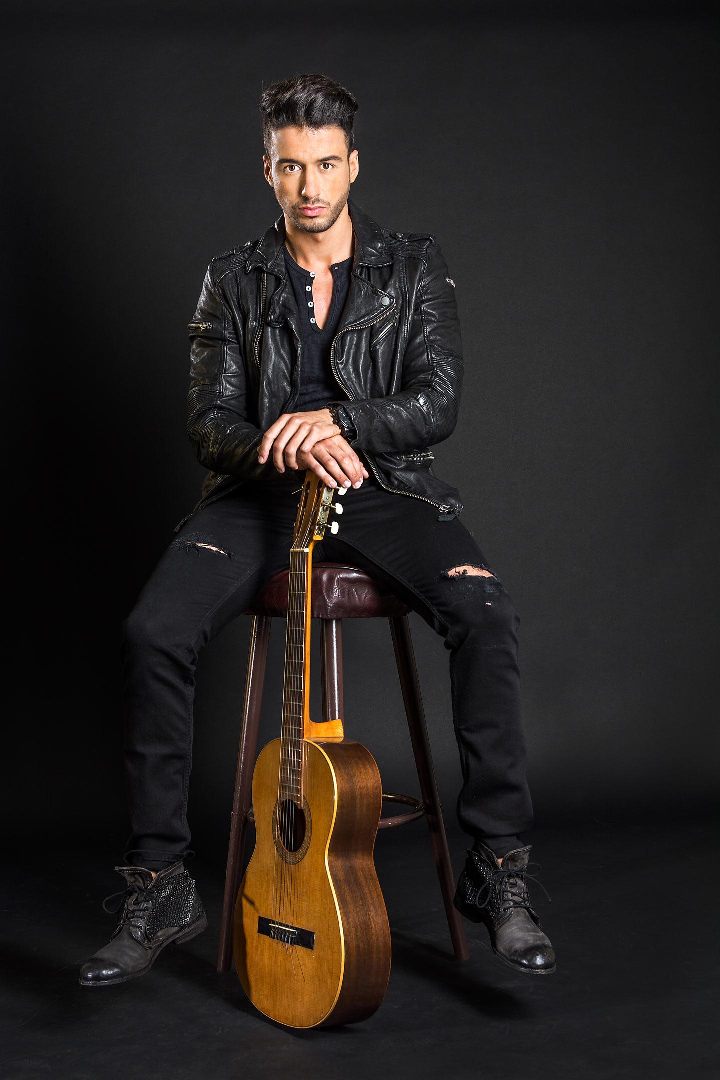 Fashion Mann mit Gitarre fotoedmundo